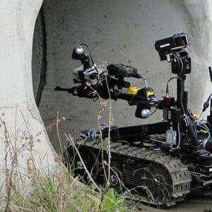 Talon robot